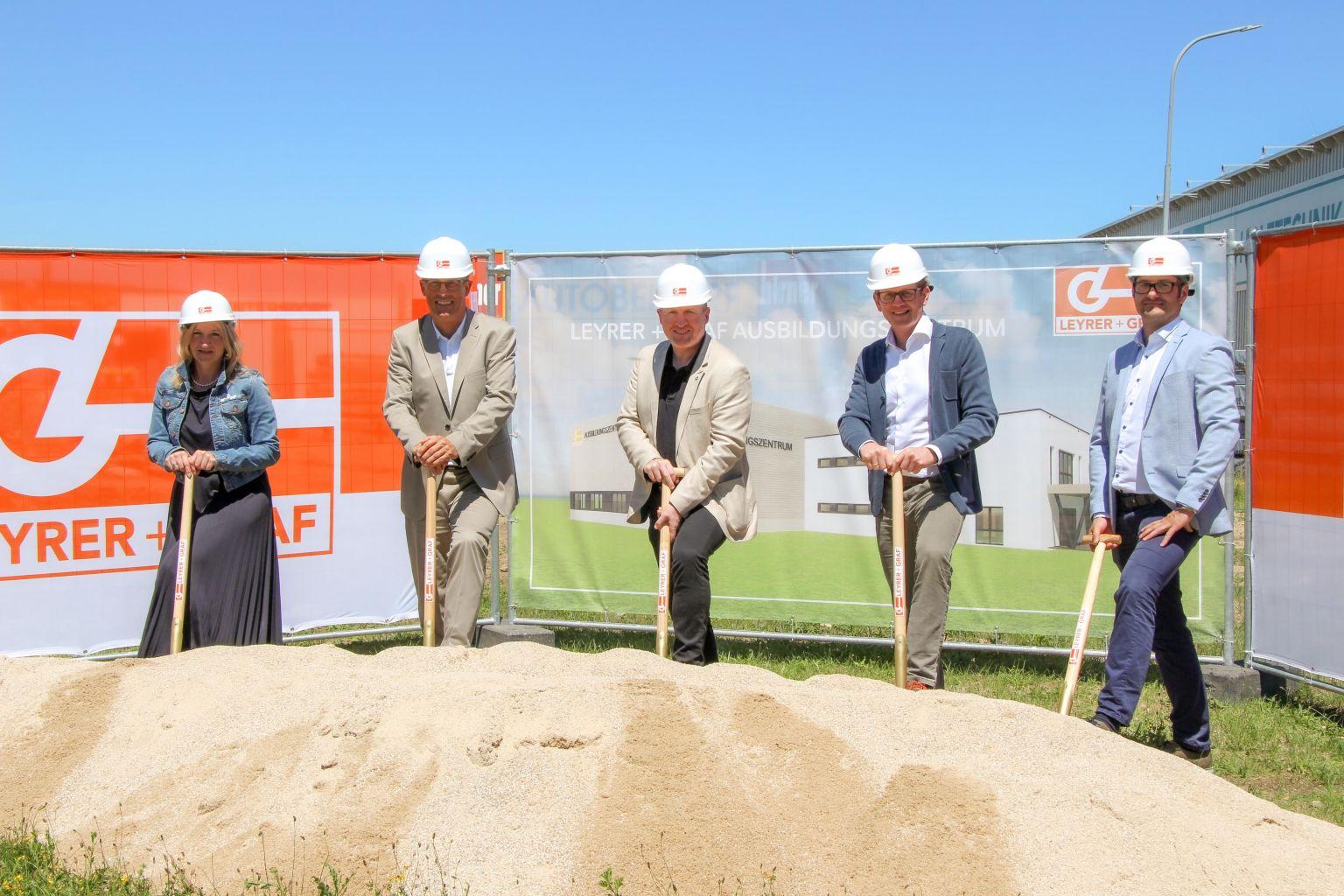 Offizieller Baustart für Leyrer + Graf Ausbildungszentrum