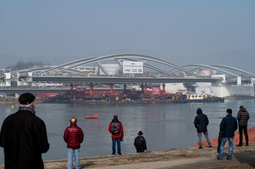 Linzer bekommen nach fünf Jahren Donaubrücke zurück