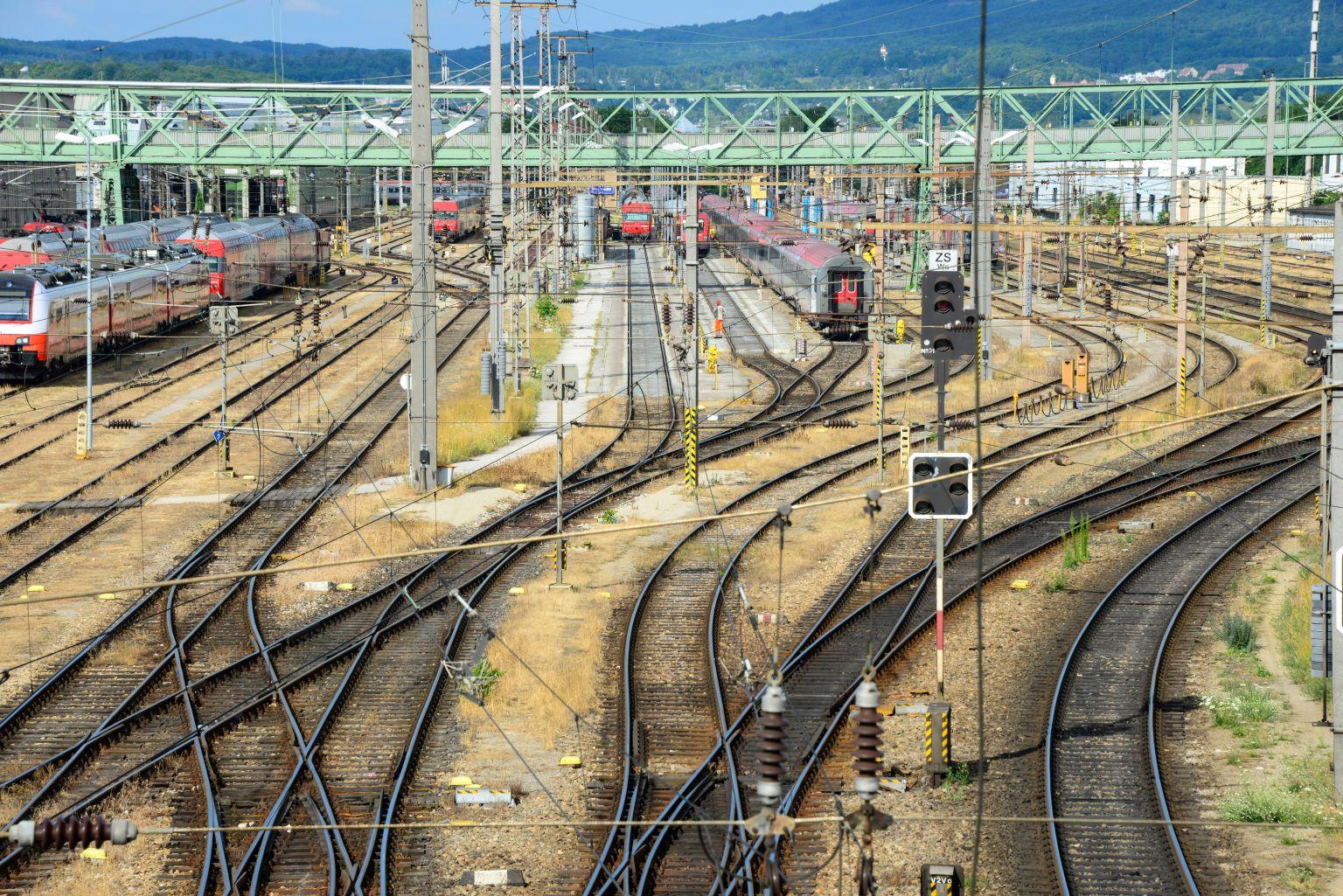 Gleisbau-Großprojekt am Westbahnhof startet