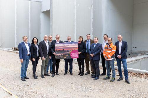 Dachgleichenfeier für die neue Schaltanlage der Wiener Netze