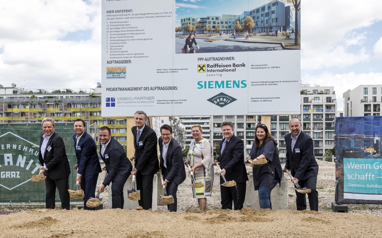 Siemens: Spatenstich